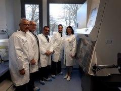 Verschiedene Formen der Zusammenarbeit wurden beim BHV-Besuch am Uniklinikum Augsburg mit Prof. Claudia Traidl-Hoffmann (re.) vereinbart