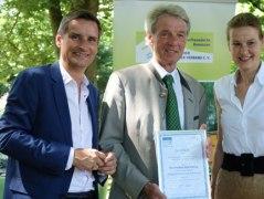 Freude über das erreichte Ziel bei Kurdirektor Thomas Jahn, Bürgermeister Felix Schwaller und BHV-Projektleiterin Anja Bode, © AIB-KUR GmbH & Co.KG