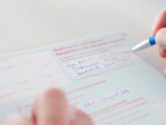 Ausfüllen des Kurantrages, © Bayerischer Heilbäder-Verband e. V.