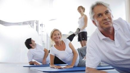 Im Rahmen eines Kuraufenthaltes wird auch Gymnastik in der Gruppe angeboten, © Bayerischer Heilbäder-Verband e.V.